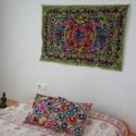 Tapices de colores bordados