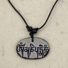Colgante Tibetano de Piedra con Mantra