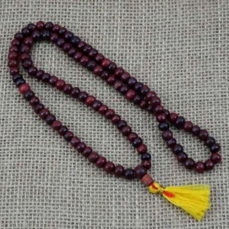 Mala Tibetano budista de palo de rosa