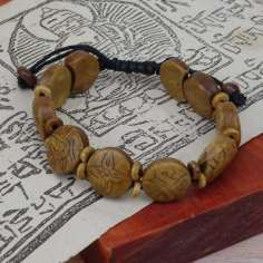 Pulsera de hueso con símbolos auspiciosos