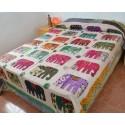 Colcha Pachword con elefantes beis